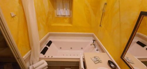 Double Room with Spa Bath Casona Camino Real De Selores 3