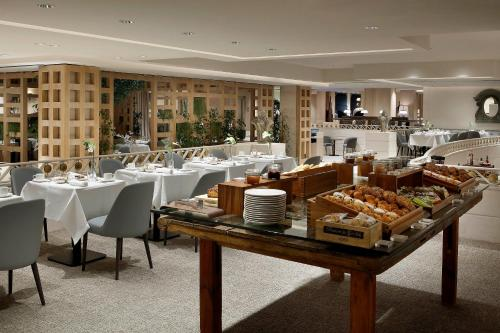 Hesperia Madrid Hotel - A Hyatt Affiliate - Photo 4 of 73