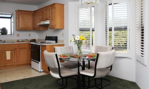 Redwood Suites - Ferndale, CA 95536