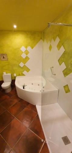 Habitación Doble con bañera de hidromasaje Casona Camino Real De Selores 5