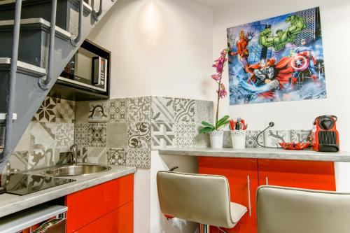 25 - Fun Duplex in Montorgueil