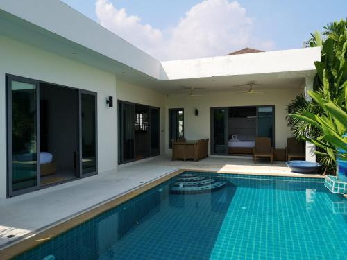 Ivory 15 Spacious Pool Villa