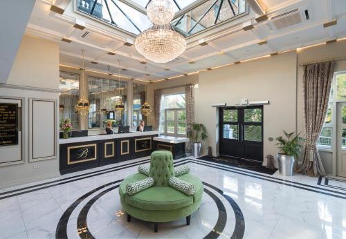. Bonnington Hotel & Leisure Centre