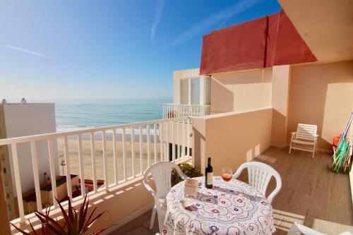 A Hotel Com ático Terraza Atlántica Apartment Cádiz