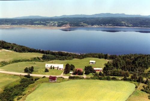 Gîte à la Vieille École - Accommodation - Saguenay