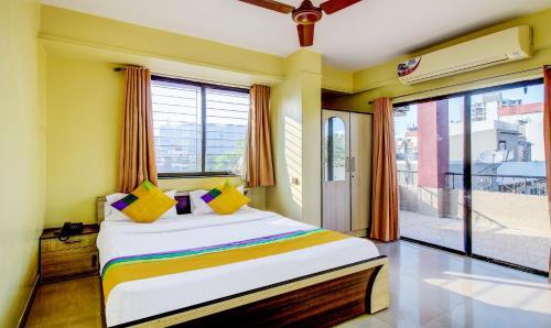 Coronet Luxurious Apartments