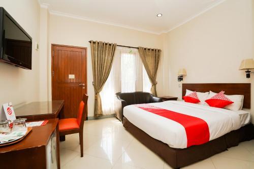 . OYO 1430 Hotel Ratna Syariah