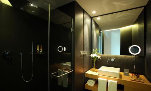 Habitación Doble Estándar (1-2 adultos) - 1 o 2 camas  Ohla Barcelona 2