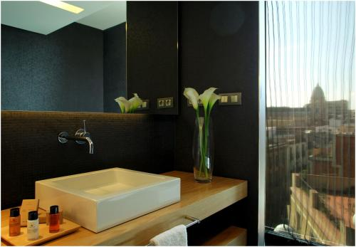 Standard Double or Twin Room (1-2 Adults) Ohla Barcelona 3