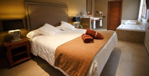 Queen Room Hotel Swiss Moraira 11