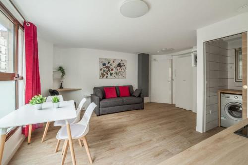 Bright and cosy flat at the heart of Paris in a trendy district - Welkeys - Location saisonnière - Paris