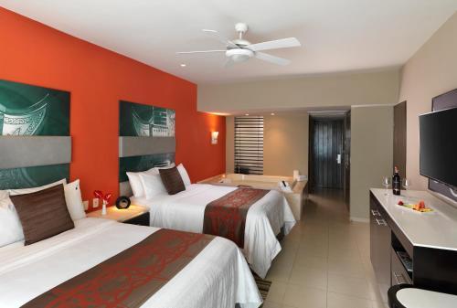 Hard Rock Hotel Vallarta, Nuevo Vallarta