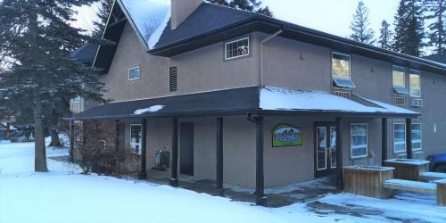 Mountain View Inn - Photo 3 of 49