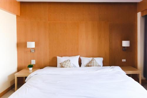 . River Hotel