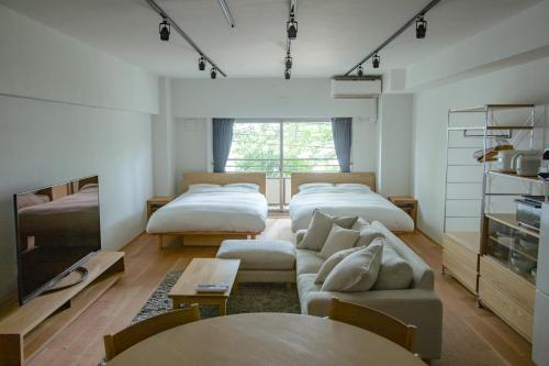 NIYS apartments 08 type - are a 1 minute walk from JR Meguro station