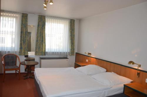Centrum Hotel Commerz am Bahnhof Altona photo 8