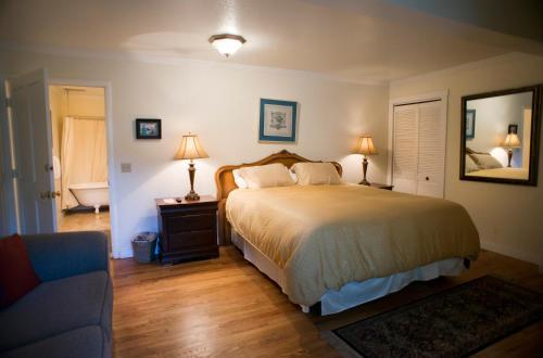 Didjeridoo Dreamtime Inn - Mendocino, CA 95460