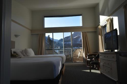 The Drake Inn - Canmore, AB T1W1P3