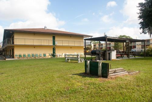 Golden Link Motel - Kissimmee, FL 34746