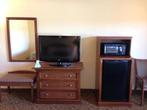 Best Western El Grande Inn - Clearlake, CA 95422