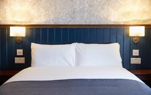 Photo - Kings Head Hotel by Greene King Inns