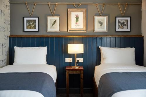 Kings Head Hotel By Greene King Inns - Photo 4 of 66