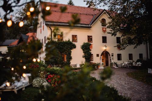 . Hotel Kendov Dvorec
