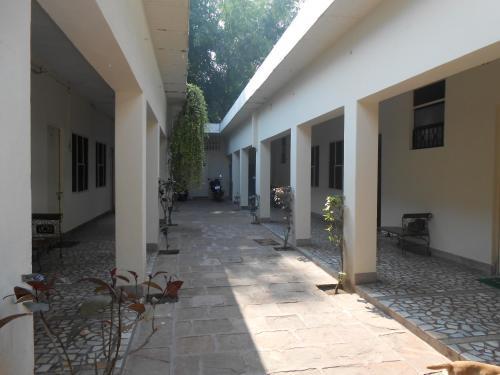 Hotel Sheela фото номерів