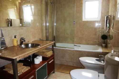 Holiday Home Canico - FNC021009-FYB, Santa Cruz