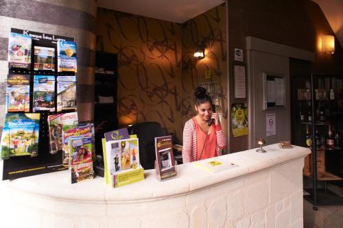 Hostellerie Excalibur - Hôtel - Saumur