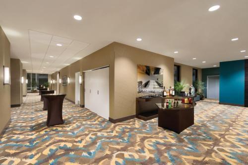 Homewood Suites by Hilton Calgary Downtown - Calgary, AB AB T2G 1N3