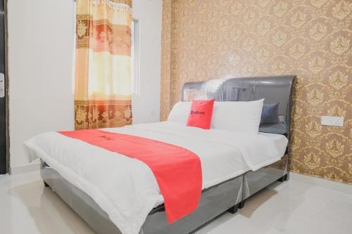 . RedDoorz Apartment @ Batam Centre 3