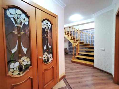 Penthouse with 3-Bedrooms - Apartment - Almaty