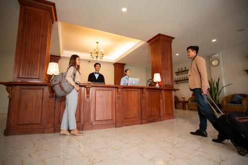 . Royal Nyaung Shwe Hotel