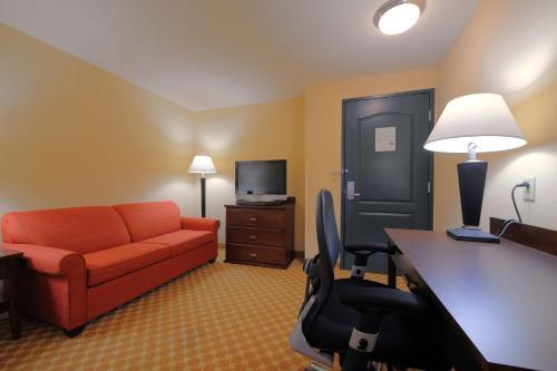 Country Inn & Suites by Radisson Savannah Airport GA - Savannah, GA GA 31408
