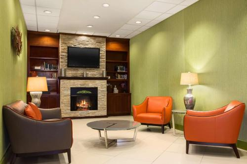 . Country Inn & Suites by Radisson, Nashville Airport, TN