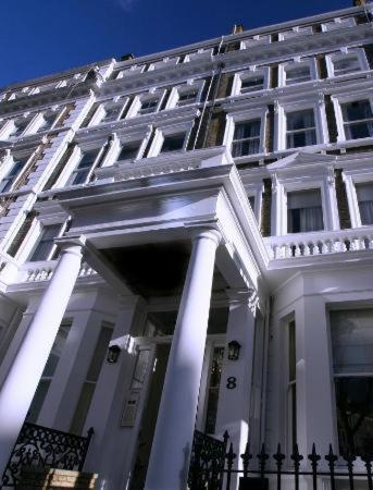 Oxbridge Apartments