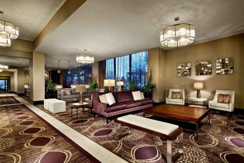 . Radisson Hotel Brooklyn Center
