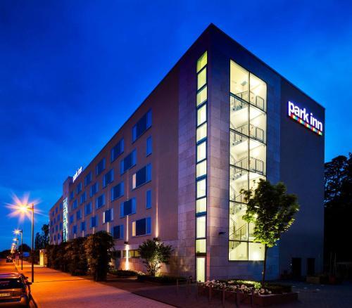 Park Inn by Radisson Frankfurt Airport - Hotel - Frankfurt/Main