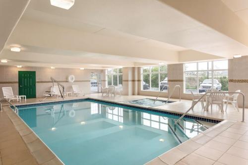 Country Inn & Suites by Radisson, Harrisburg at Union Deposit Road, PA - Hotel - Harrisburg