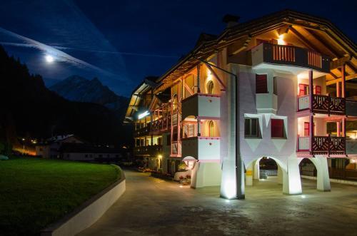 B&B Cèsa Planber Mountain View - Accommodation - Canazei di Fassa