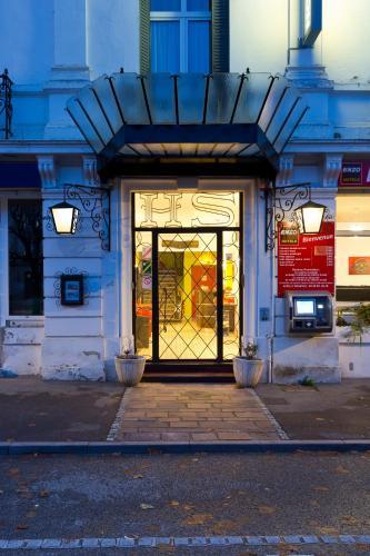 . Enzo Hôtel Contrexeville