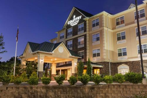 . Country Inn & Suites by Radisson Asheville West