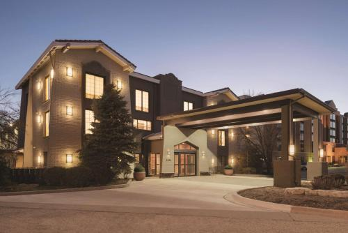 . Country Inn & Suites by Radisson, Chicago-Hoffman