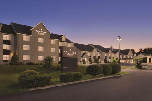 . Country Inn & Suites by Radisson, Roanoke, VA