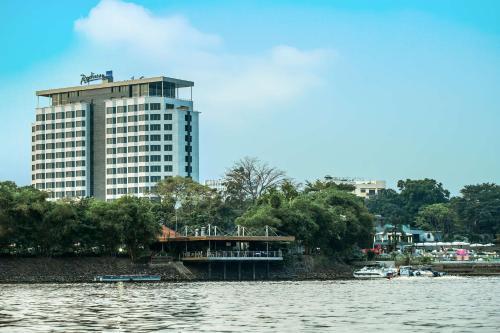 Фото отеля Radisson Blu M'Bamou Palace Hotel, Brazzaville