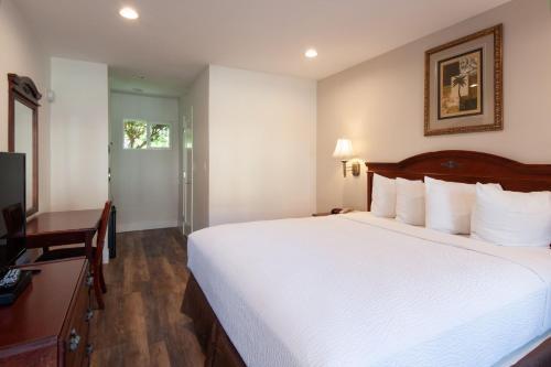 Studio City Courtyard Hotel - Studio City, CA CA 91604