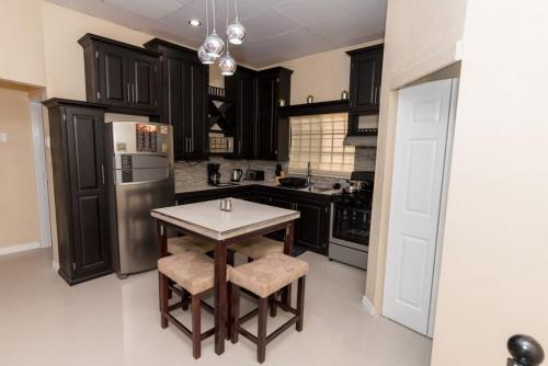 Stacy 39 S Place Entire Apartment Port Of Spain Deals Photos Reviews