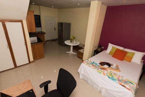 Modern St. James, POS Ellis Court 2 Bedroom,