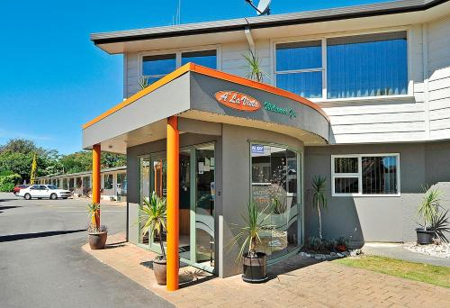 A'La Vista Motel - Accommodation - Palmerston North